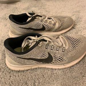 Nike 2017 Women's Free Run tennis shoes